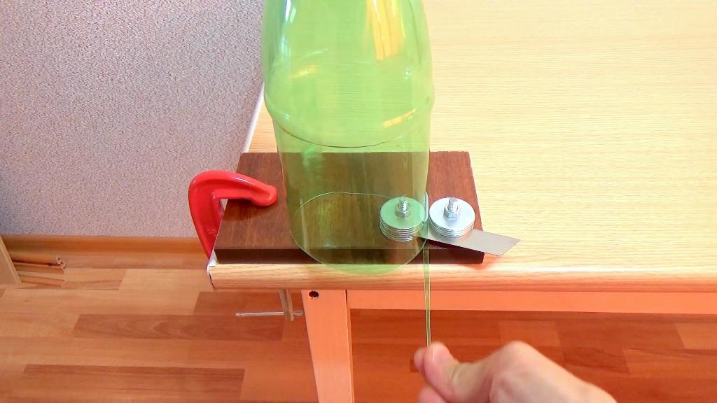 Станок для нарезки ленты из пластиковых бутылок