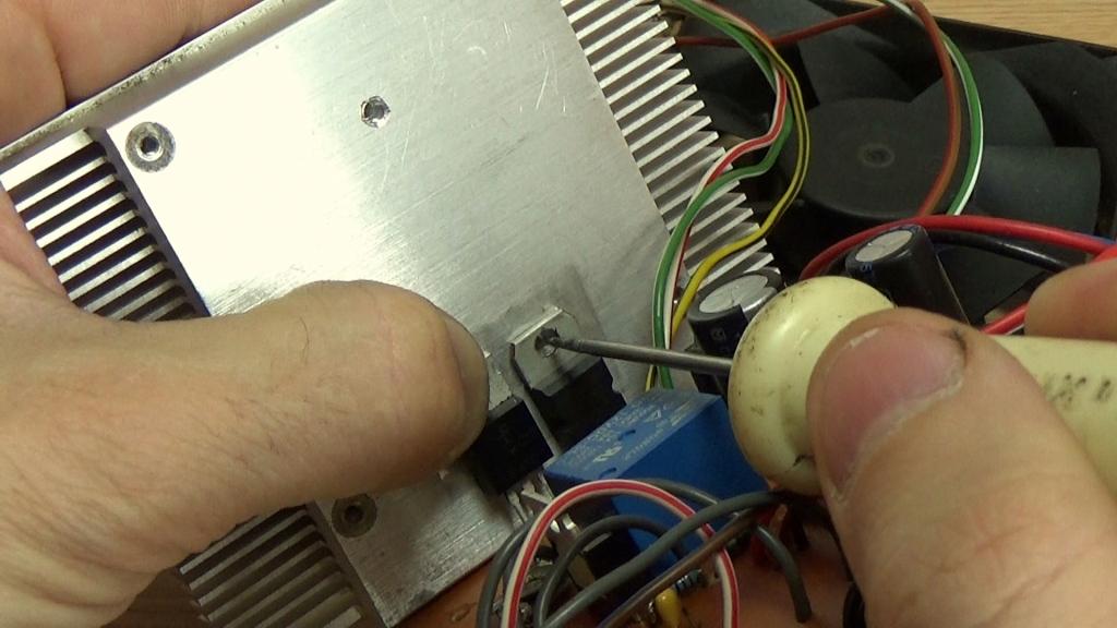 Установка транзисторов на радиатор