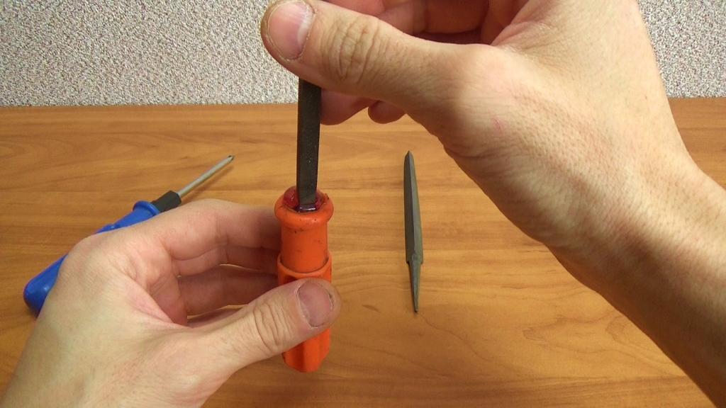 Ручка для напильника из старой отвертки