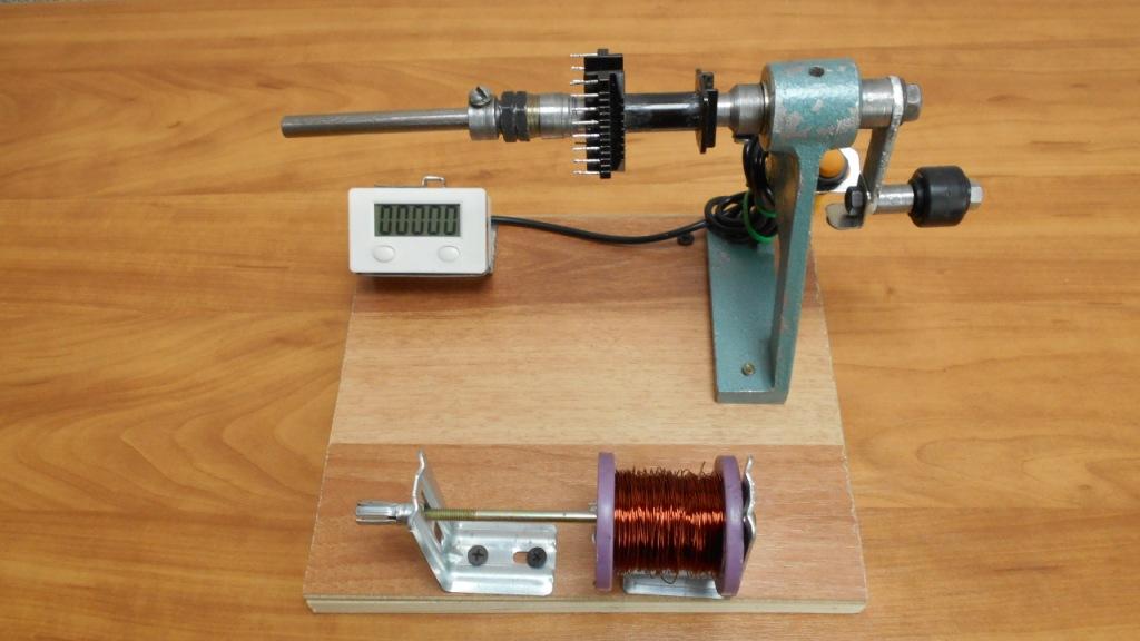 Намоточный станок для намотки трансформаторов с электронным счетчиком витков