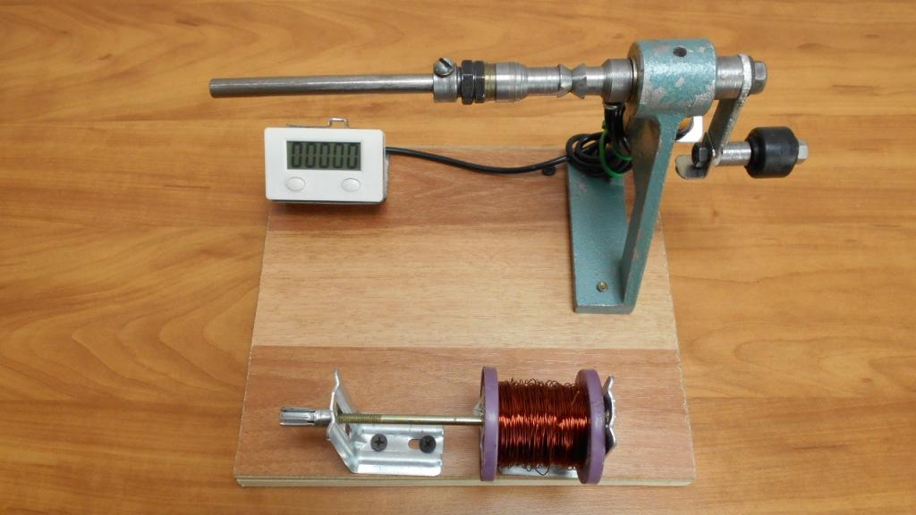 Намоточный станок для трансформаторов с электронным счетчиком витков
