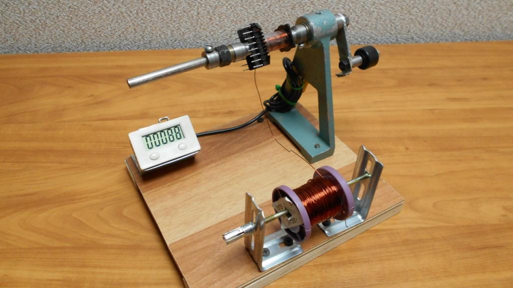 Станок для намотки трансформаторов с электронным счетчиком оборотов